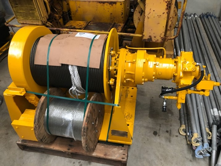 Electric hydraulic hoist